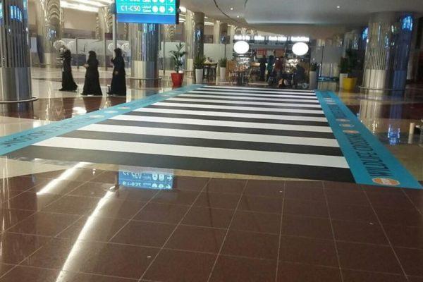 Costa-Coffee-Giraffe-Floor-Graphics-Airport-2-1024x576